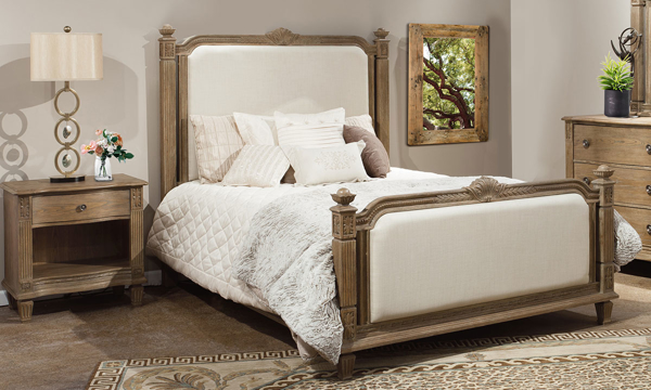 Anabelle Upholstered Traditional Queen Bed & Nightstand