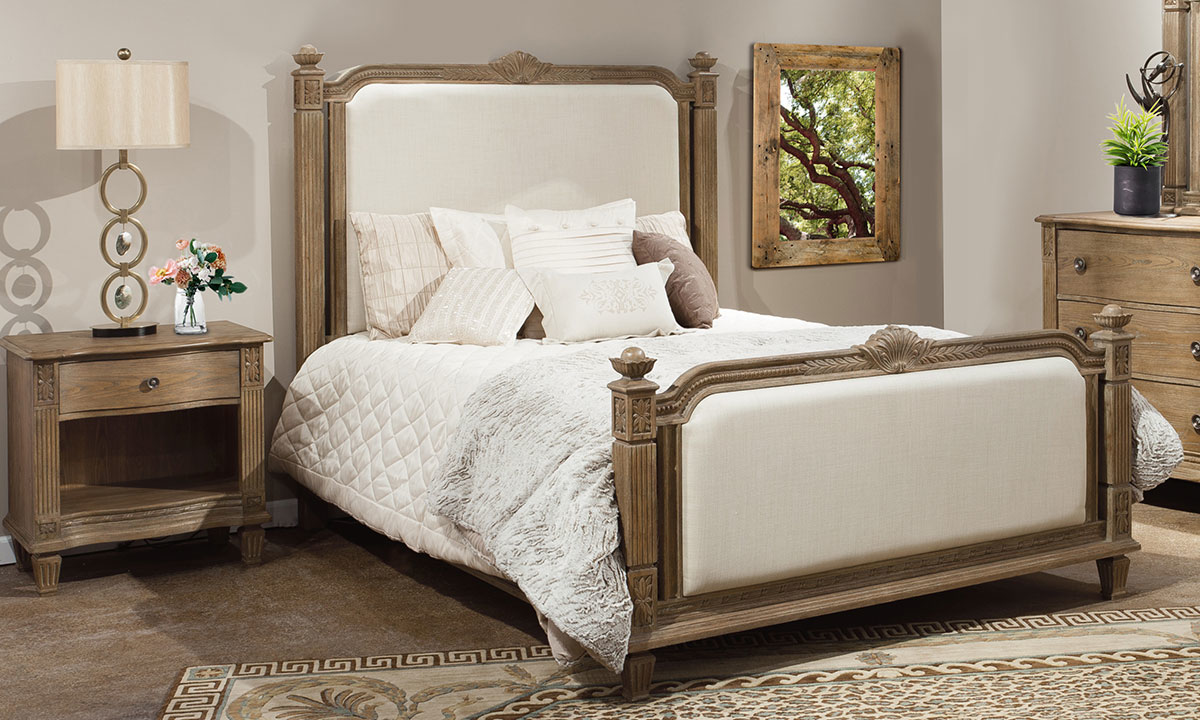 Anabelle Upholstered Traditional King Bed & Nightstand