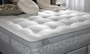 Luxury closeout queen mattress handcrafted from Yorkshire wool with 5000 coils from Spink & Edgar - Cover shot