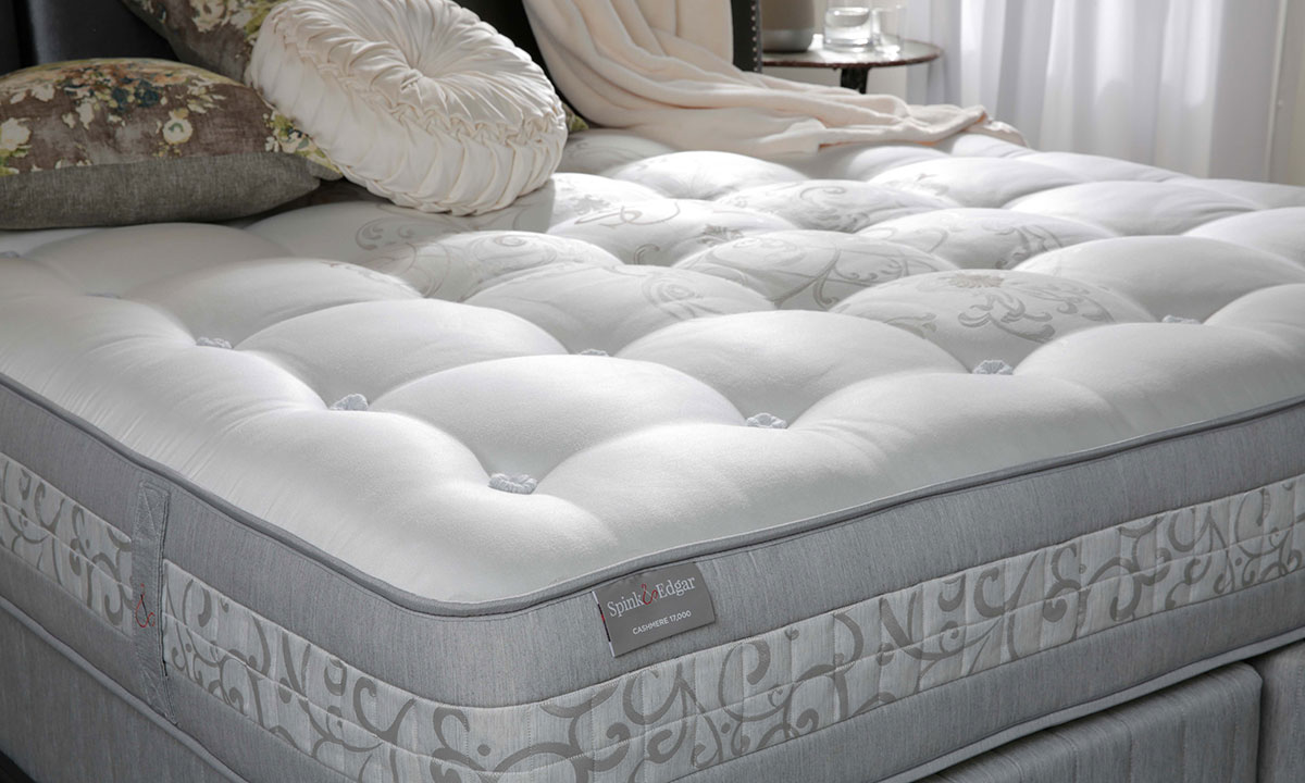 """Luxury 14"""" queen mattress handcrafted in England from cashmere with over 17000 coils - Cover"""