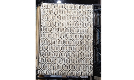 Natural Hide 2140 Ivory and Silver  8' x 11' Area Rug