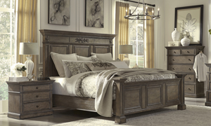 Belle Maison Aged Oak King Bedroom Set with Chest
