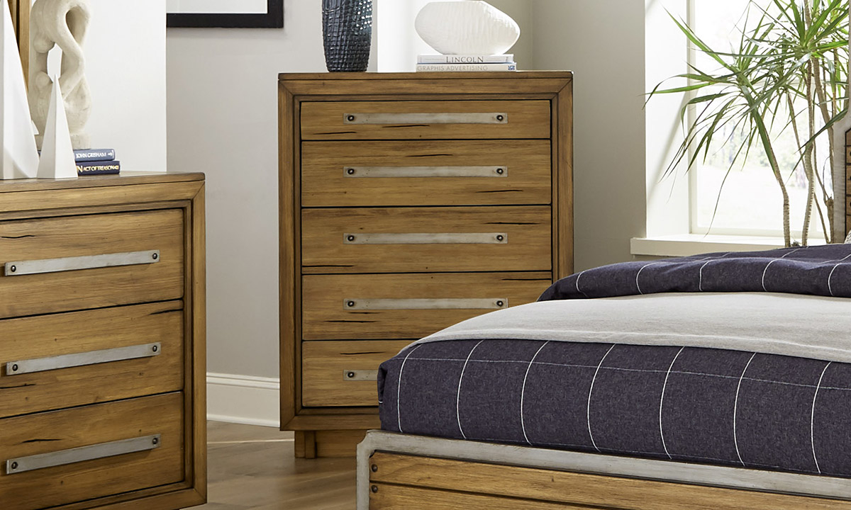 Forest Lane Brown Solid Pine 5-Drawer Chest
